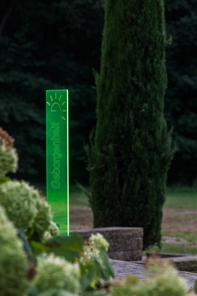 sunart DenkMal No. 01 Geborgenheit zuversichtlich grün